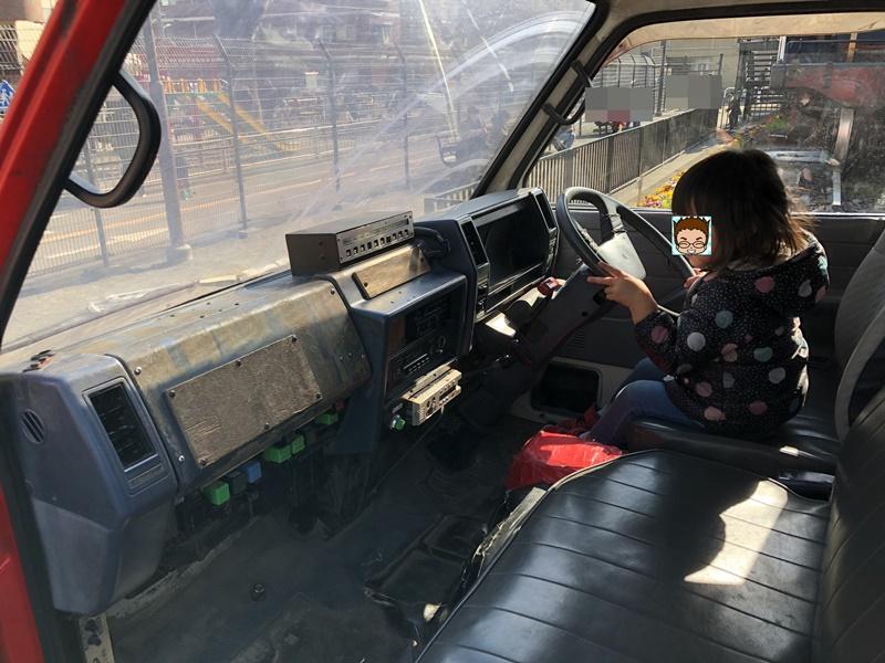 消防車 運転席