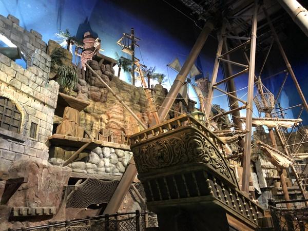 巨大海賊船「ポート・オブ・パイレーツ」