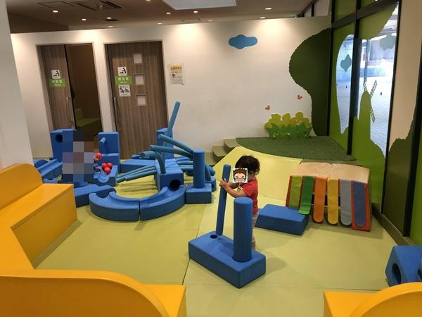 ボーネルンドとコラボした室内遊び場の遊具