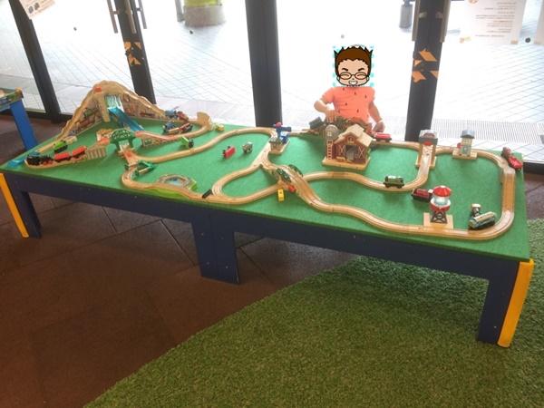 アネビートリムパーク電車おもちゃ